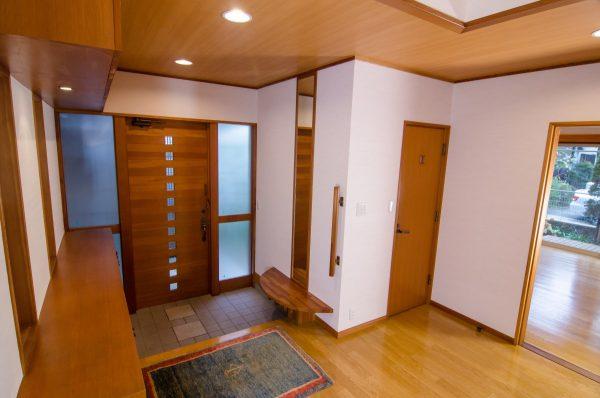 玄関の間取りをリフォーム!すっきり片付けて、おしゃれな空間を演出!
